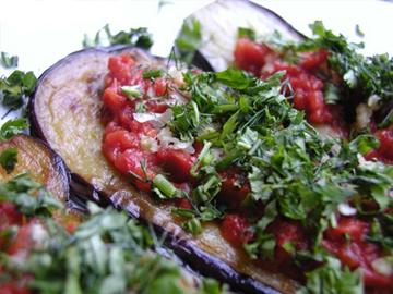 Badimjan dilchaklari - Aubergine rounds with tomato