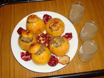 Heyva dolmasi - Stuffed quince