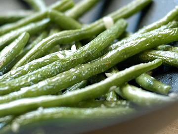 Sarımsaqla göy lobya - Green beans with garlic
