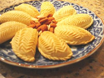 Shekerbura - Sweet nut pies