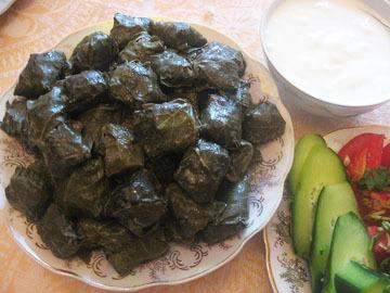 Stuffed vine leaves - Yarpag dolmasi